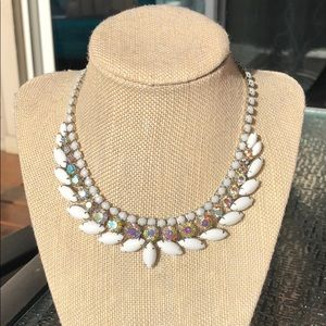 Jewelry - Vintage Weiss necklace